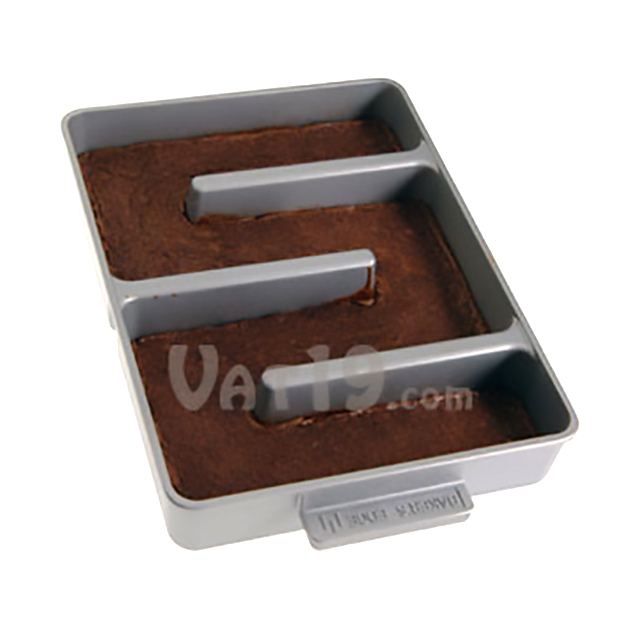 More Edges Brownie Pan