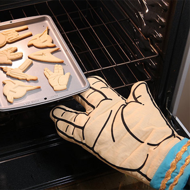 Live Long and Prosper Oven Mitt