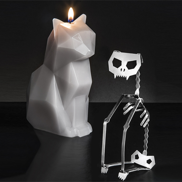Cat Candle with Aluminum Skeleton