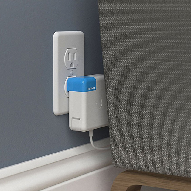 Side-Facing Apple Charger Attachment