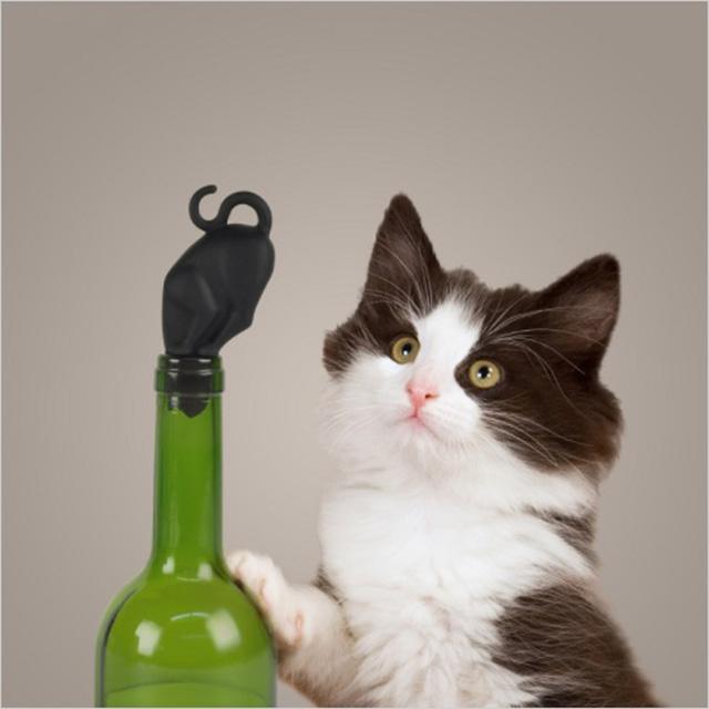 Curious Cat Bottle Stopper